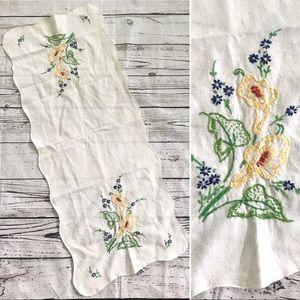 Vintage floral embroidered linen runner decor